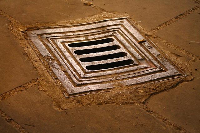 manhole-199548_640