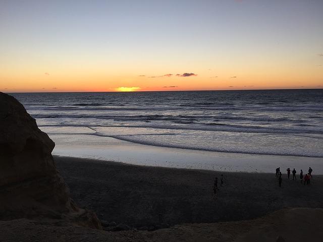 sunset-1291692_640