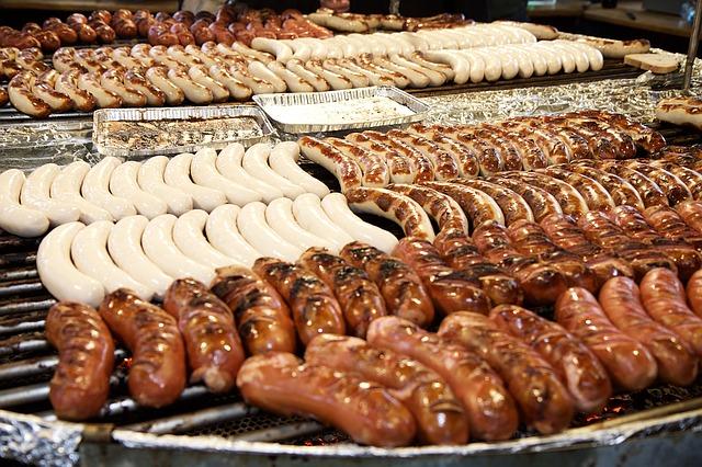sausages-1080138_640
