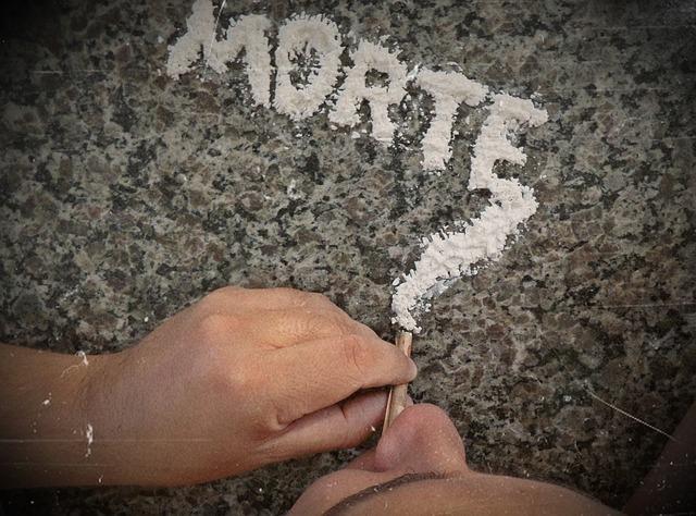 cocaine-396757_640