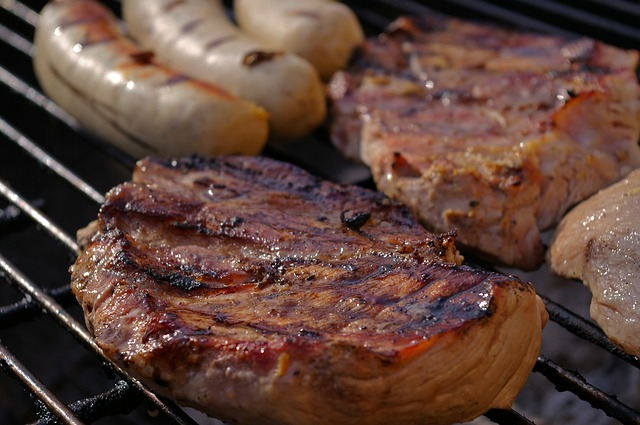 grilled-meats-1309431_640