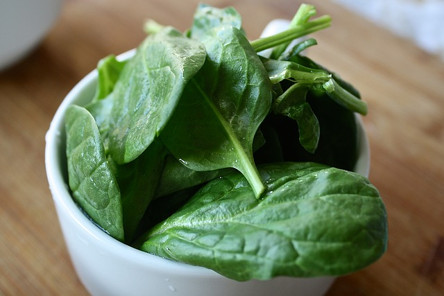 spinach-1427360_640