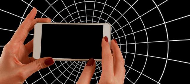 smartphone-1445490_640