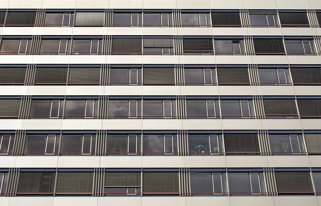 facade-643537_640