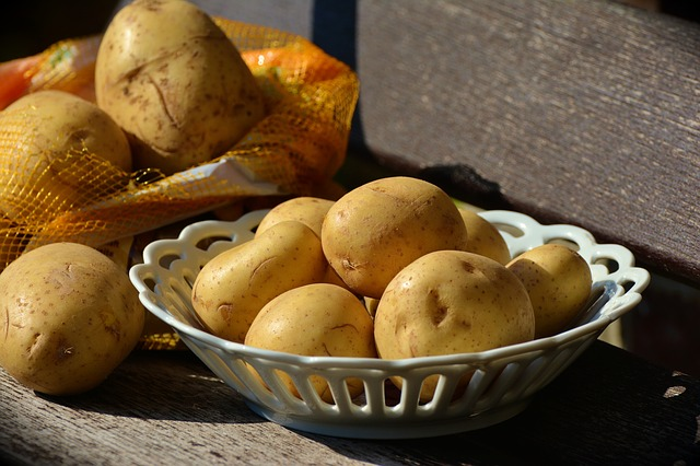 potatoes-1654294_640