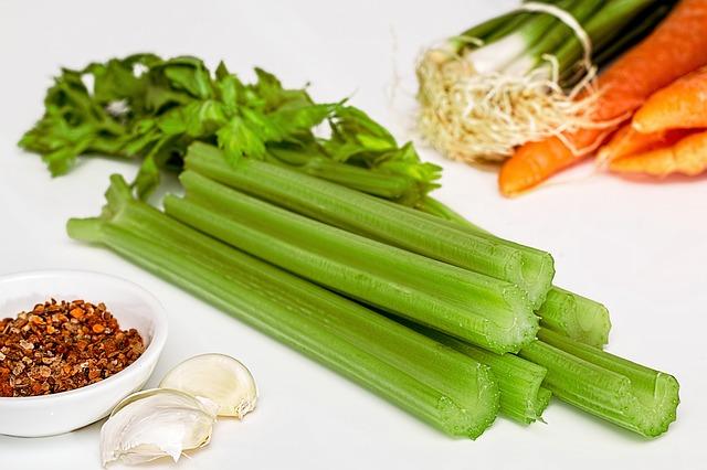 soup-greens-869075_640