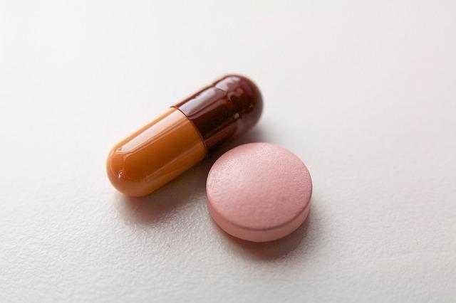pills-1498602_640