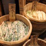 日本ほど多彩な漬物文化を発展させた国はない。糠、粕、味噌、お酢、麹……の漬物王国
