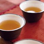 熟成による旨みと丁寧に焙じた香ばしさと艶のある色合いのほうじ番茶「無双番茶」